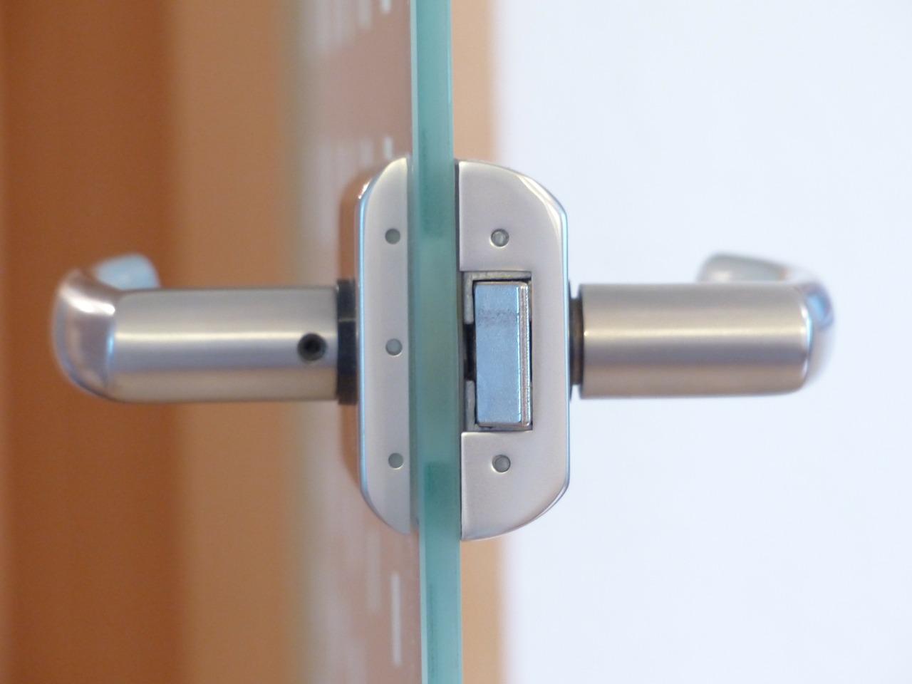 biztonsagi ajto